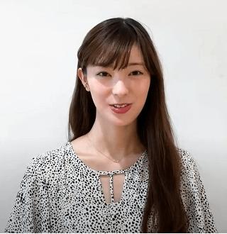 宮本茉祐さんの私服コーデがオシャレ!リラックスした表情