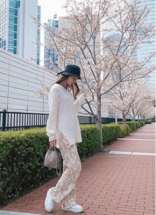 宮本茉祐さんの私服コーデがオシャレ!めずらしいパンツスタイル