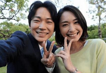 新垣結衣さんと綾野剛さんは、ドラマ「空飛ぶ広報室」で共演